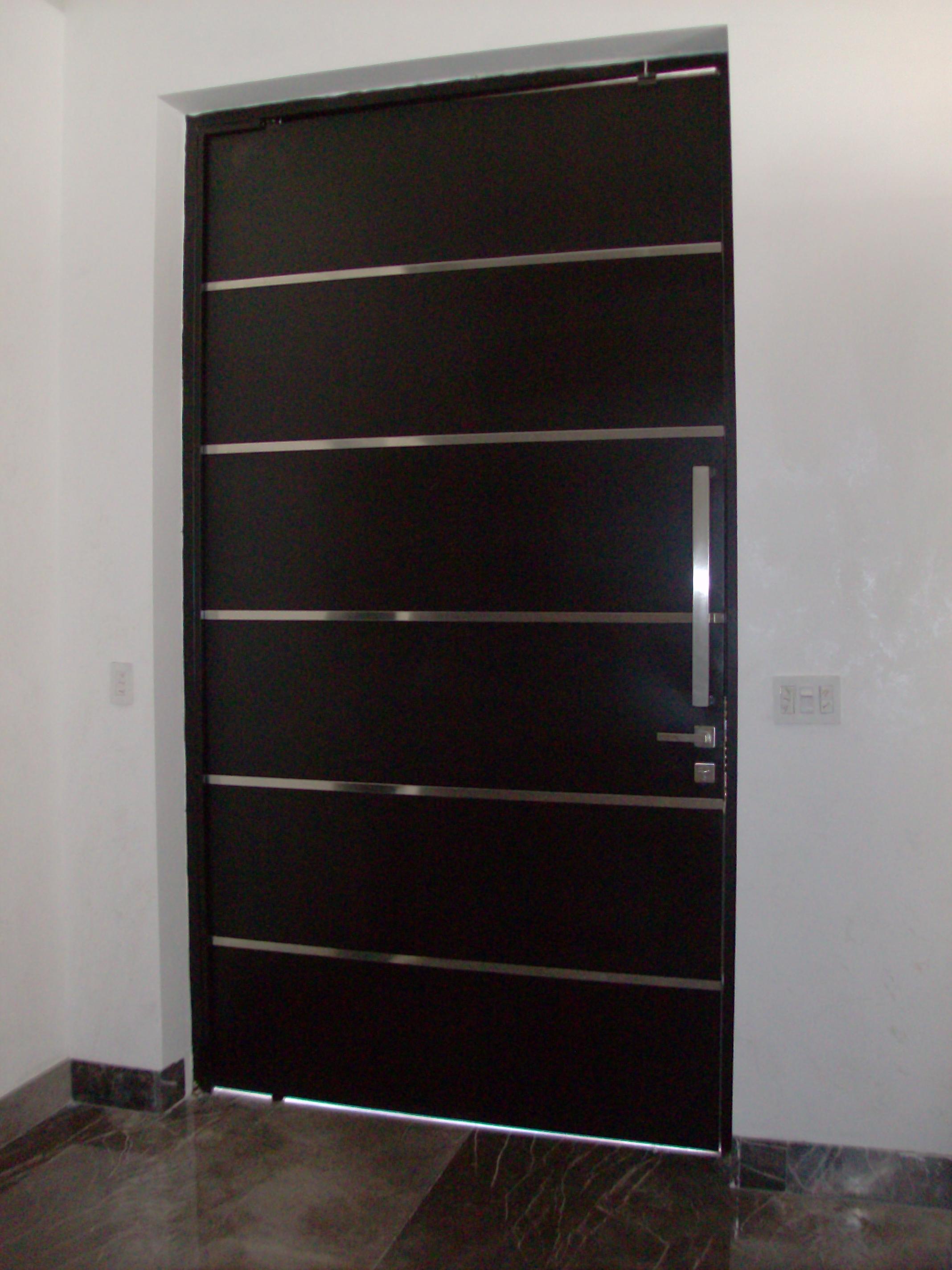 Puertas principales puertas automaticas monterrey for Puertas de madera principales precios