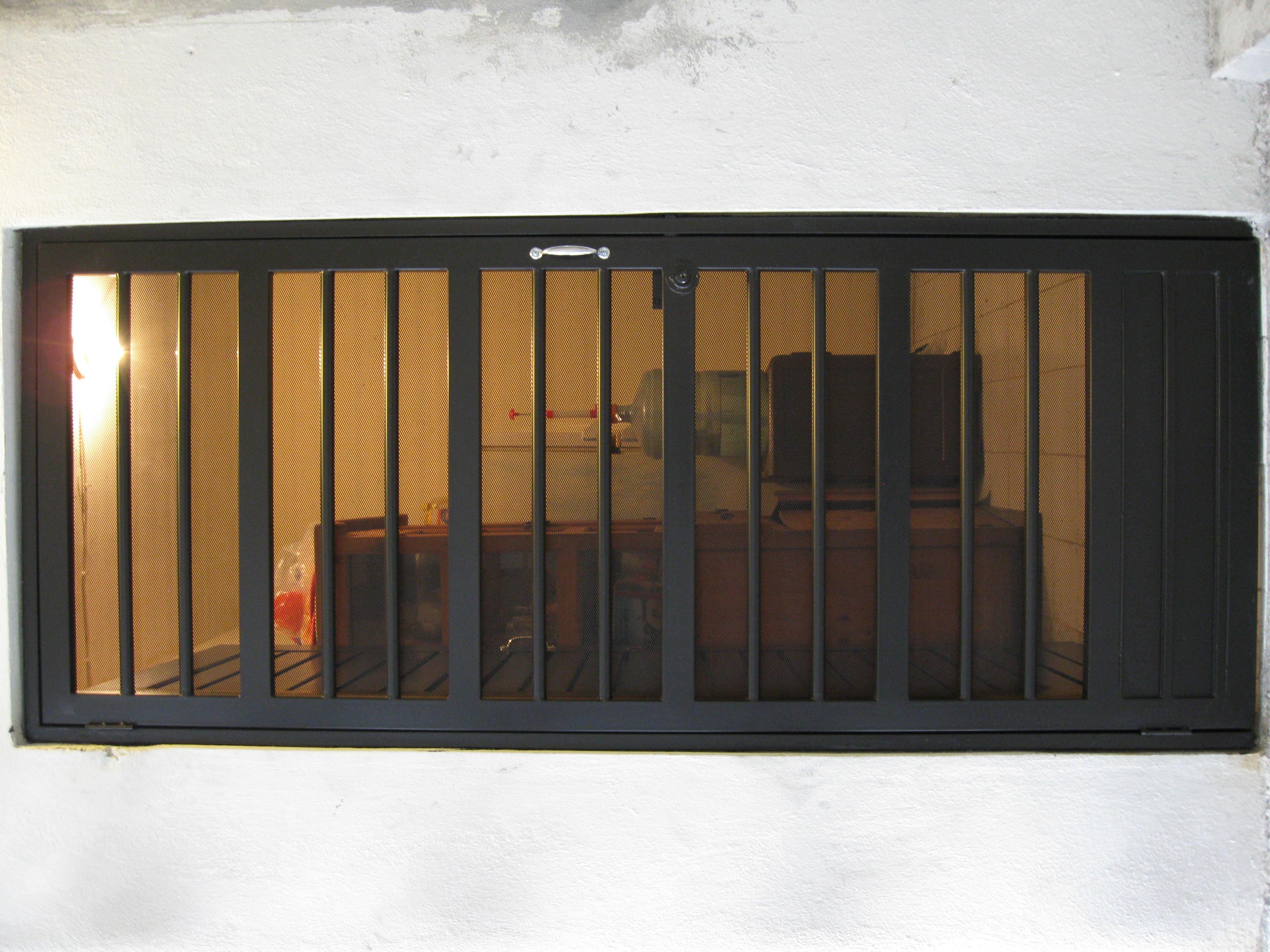 Puertas de servicio puertas automaticas monterrey for Puerta mosquitera